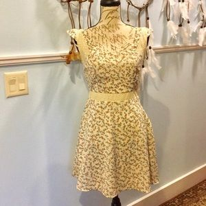 NWT Jessica Simpson floral pattern cream dress